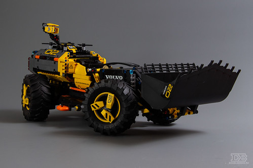 LEGO Technic 42081 Review-17 | by DoubleBrick.ru