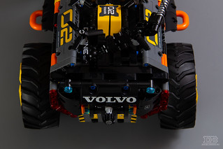 LEGO Technic 42081 Review-5 | by DoubleBrick.ru