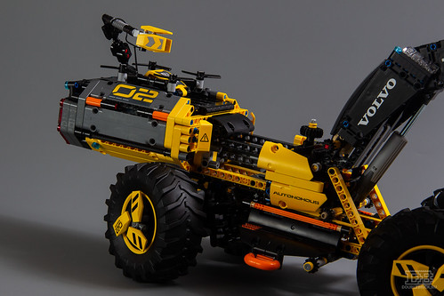 LEGO Technic 42081 Review-16 | by DoubleBrick.ru
