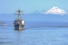 USS Spruance (DDG 111) sails toward Seattle, July 29. (U.S. Navy/MC2 Clemente Lynch)