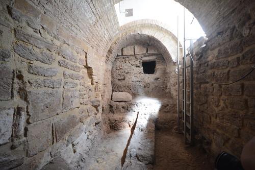 Sta のクリプト, バーバラ, Sのローマサーカスのプラグ付き合計ビュー. III; Sのpudrideroへのアクセス. XIIIとsで壁に作品を再利用. XVI