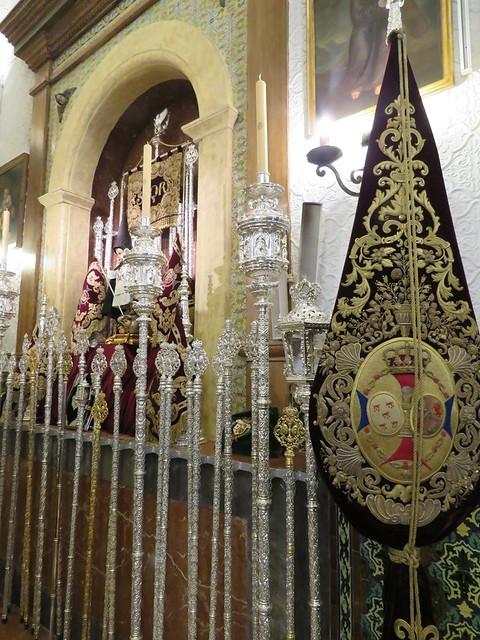 Altares de Insignias: Sábado Santo y Domingo de Resurrección