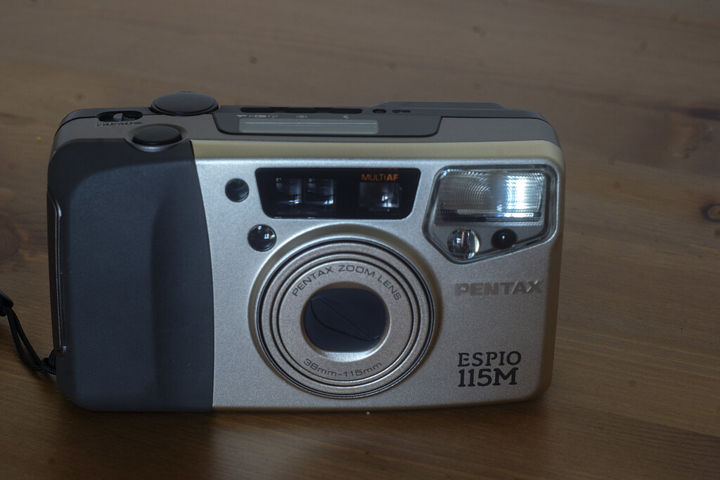 Camera Review Blogs No. 111 - Pentax Espio 115M