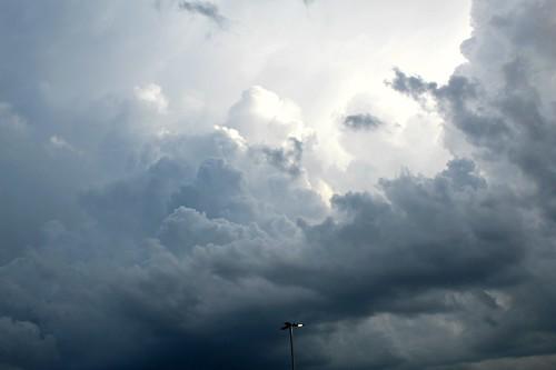 stormclouds rt59metrastation aurora il illinois cloudsandsky csssusillinoisthunderstorms csssthunderheadsonly cloudsstormssunsetssunrises cssstherebeastormabrewin
