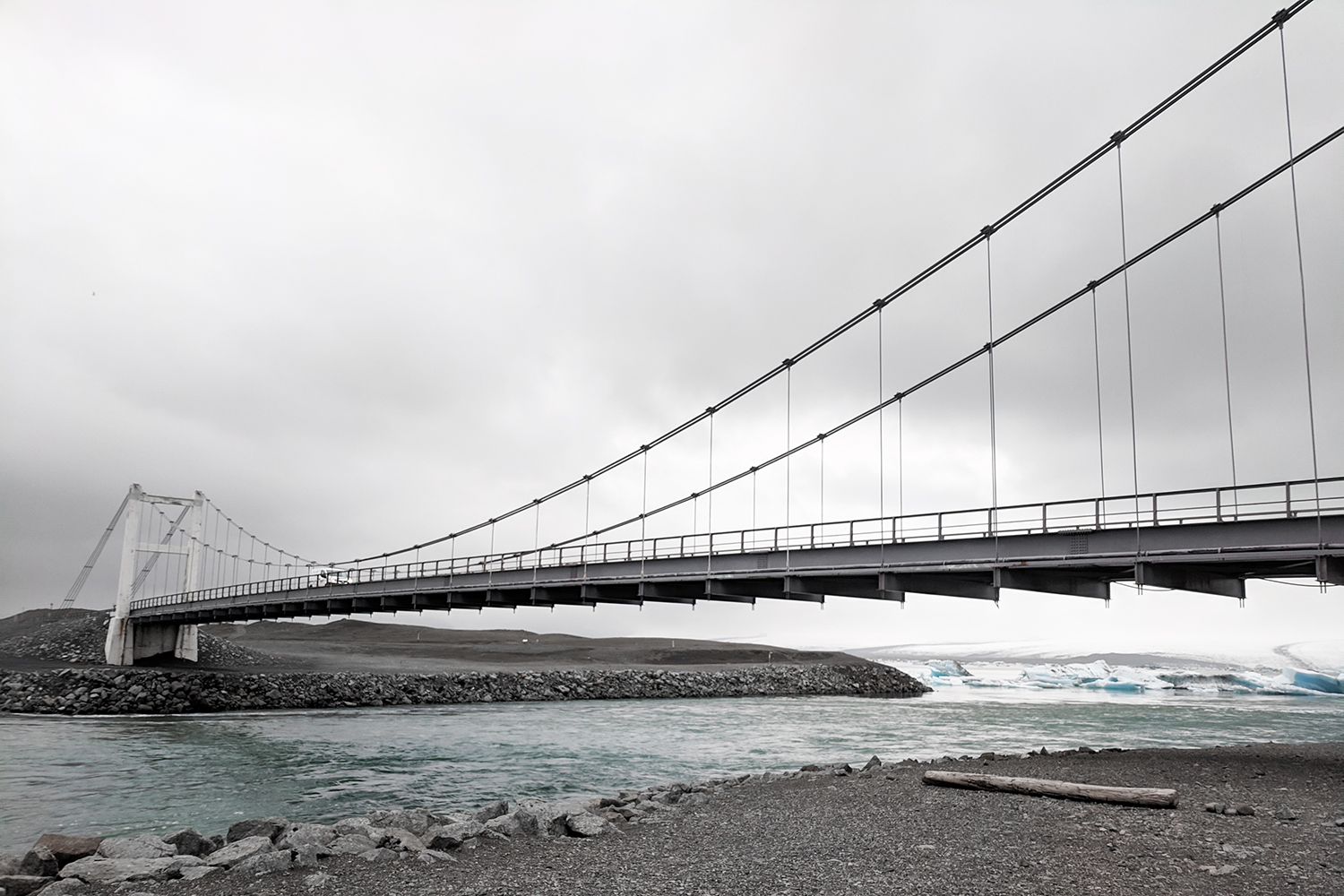 09iceland-jokulsarlon-glacier-lagoon-bridge-travel