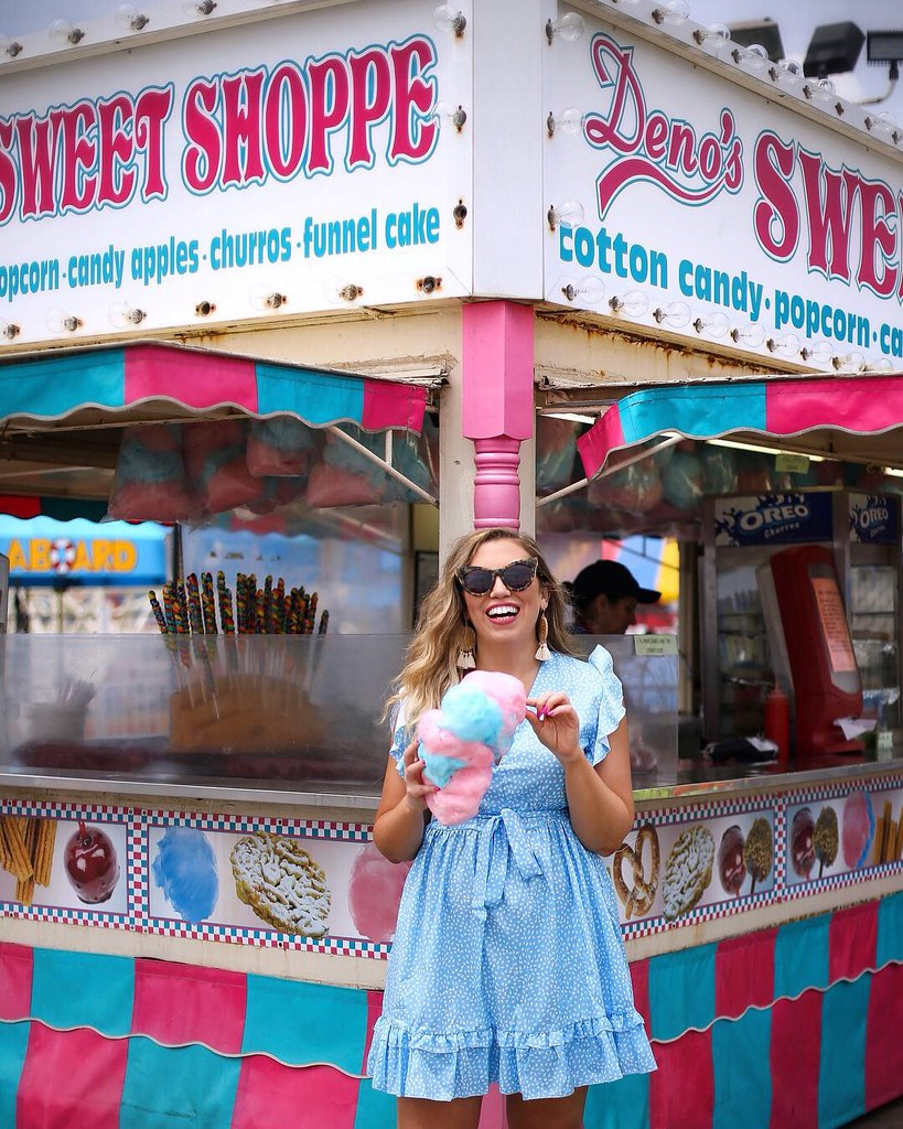 Coney Island Photo Shoot Cotton Candy Blogger Photo