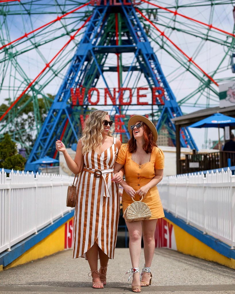Coney Island Photo Shoot Wonder Wheel Blogger Photo