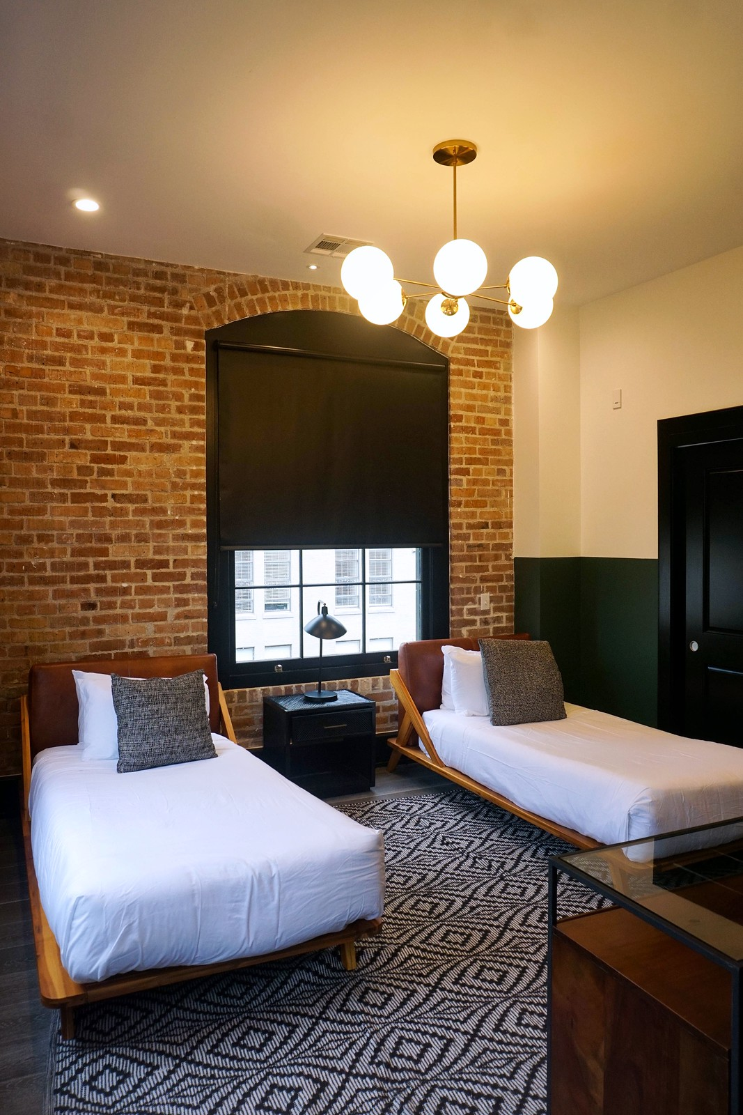 Apartment Style Hotel Room Tour | Best Hotel in New Orleans, Louisiana | Why Apartment Style Hotels are the Best for Group Trips | Domio Baronne St. Hotel | Where to Stay in New Orleans | NOLA's First Apartment Hotel