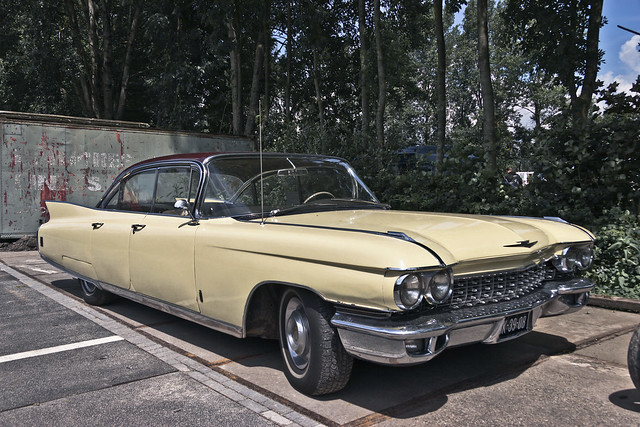 Cadillac Fleetwood Sedan 1960 (2701)