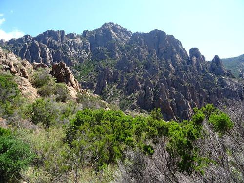 Punta di Monte Sordu depuis le col Nord 750m