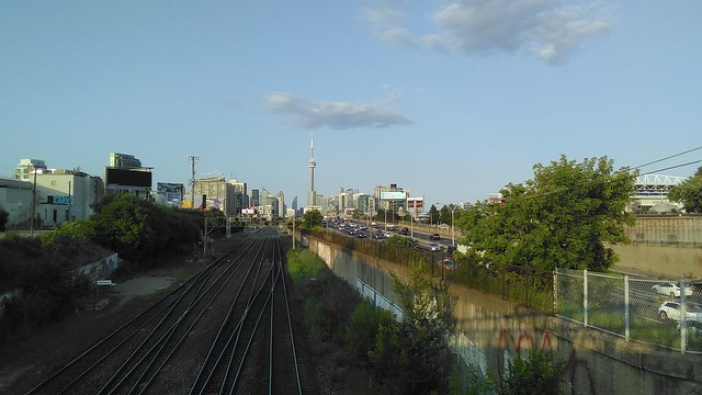 Looking east #toronto #skyline #gardinerexpressway #dufferinstreet #dufferinloop