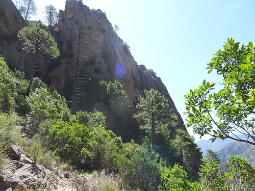 Descente du Chemin de Paliri : à l'approche de la face W de Punta Russa