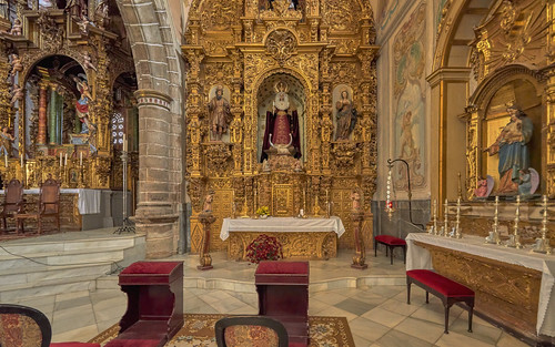 ancient altarpiece architecture baroque basilica burial colonnade crossing decoration gothic heritage historical interior medieval nave pilgrimage relics renaissance shrine transept sidechapel veneration wife vault windows brovales jerezdeloscaballeros extremadura spain