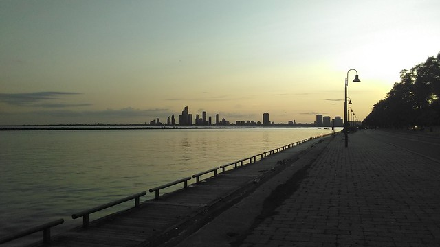 Looking west #toronto #skyline #lakeontario #humberbayshores #marilynbellpark #evening