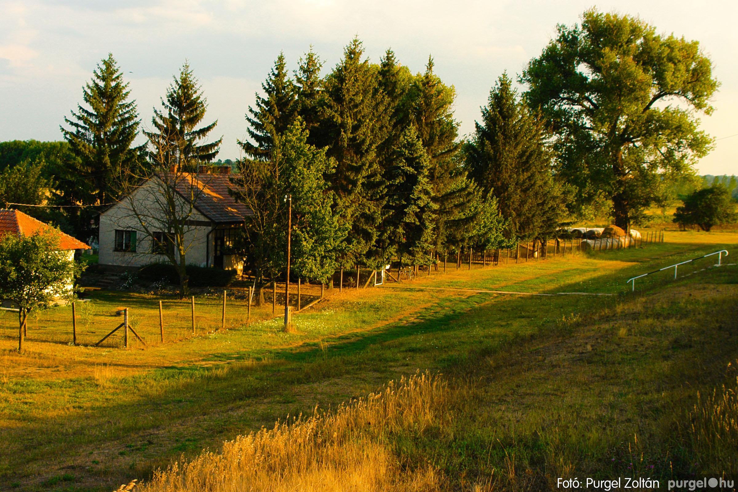 2003.08.01. 004 Naplemente előtt a Holt-Tiszán - Fotó:PURGEL ZOLTÁN© DSC_0005q.jpg
