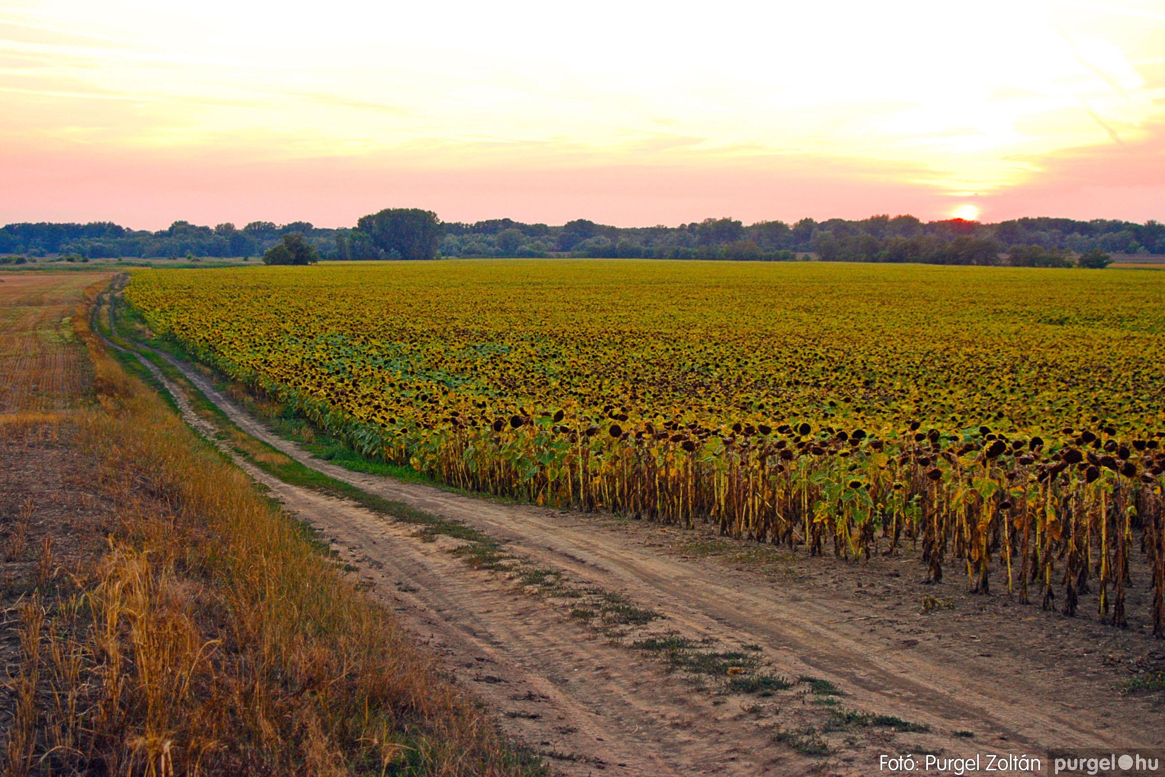 2003.08.09. 022 Augusztusi napnyugta a Lándoron - Fotó:PURGEL ZOLTÁN© DSC_0045q.jpg