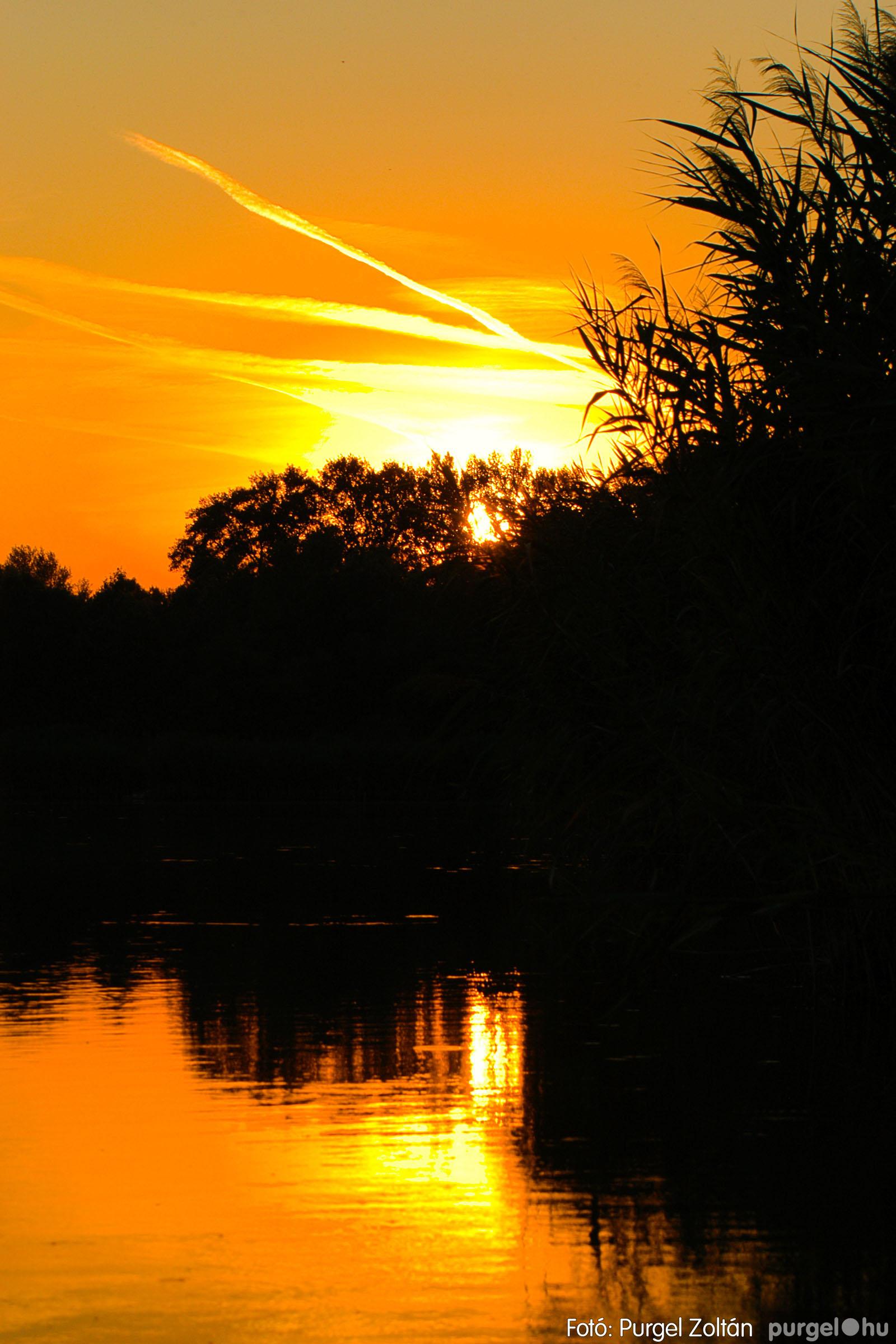 2003.08.09. 019 Augusztusi napnyugta a Lándoron - Fotó:PURGEL ZOLTÁN© DSC_0037q.jpg