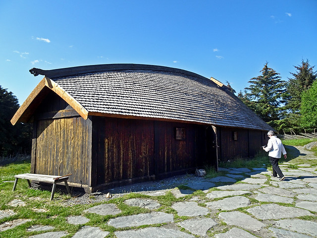 photo - Longhouse, Viking Farm, Avaldsnes Norway