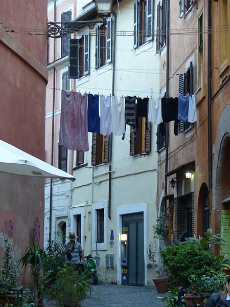 linge dans le Trastevere