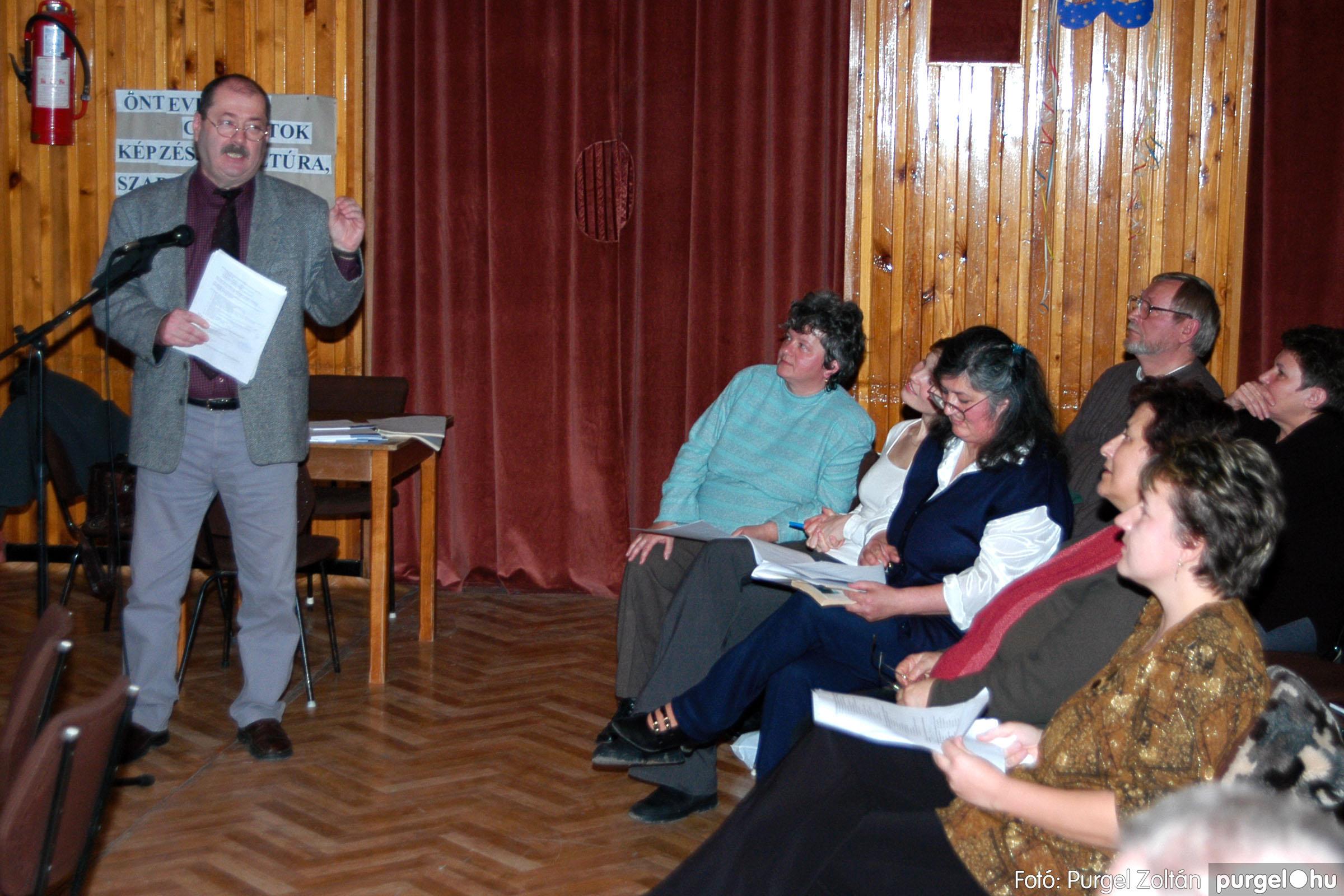 2004.01.13. 013 Szegváriak Szegvárért Közösségfejlesztők Egyesület beszámolója - Fotó:PURGEL ZOLTÁN© _0013q.jpg