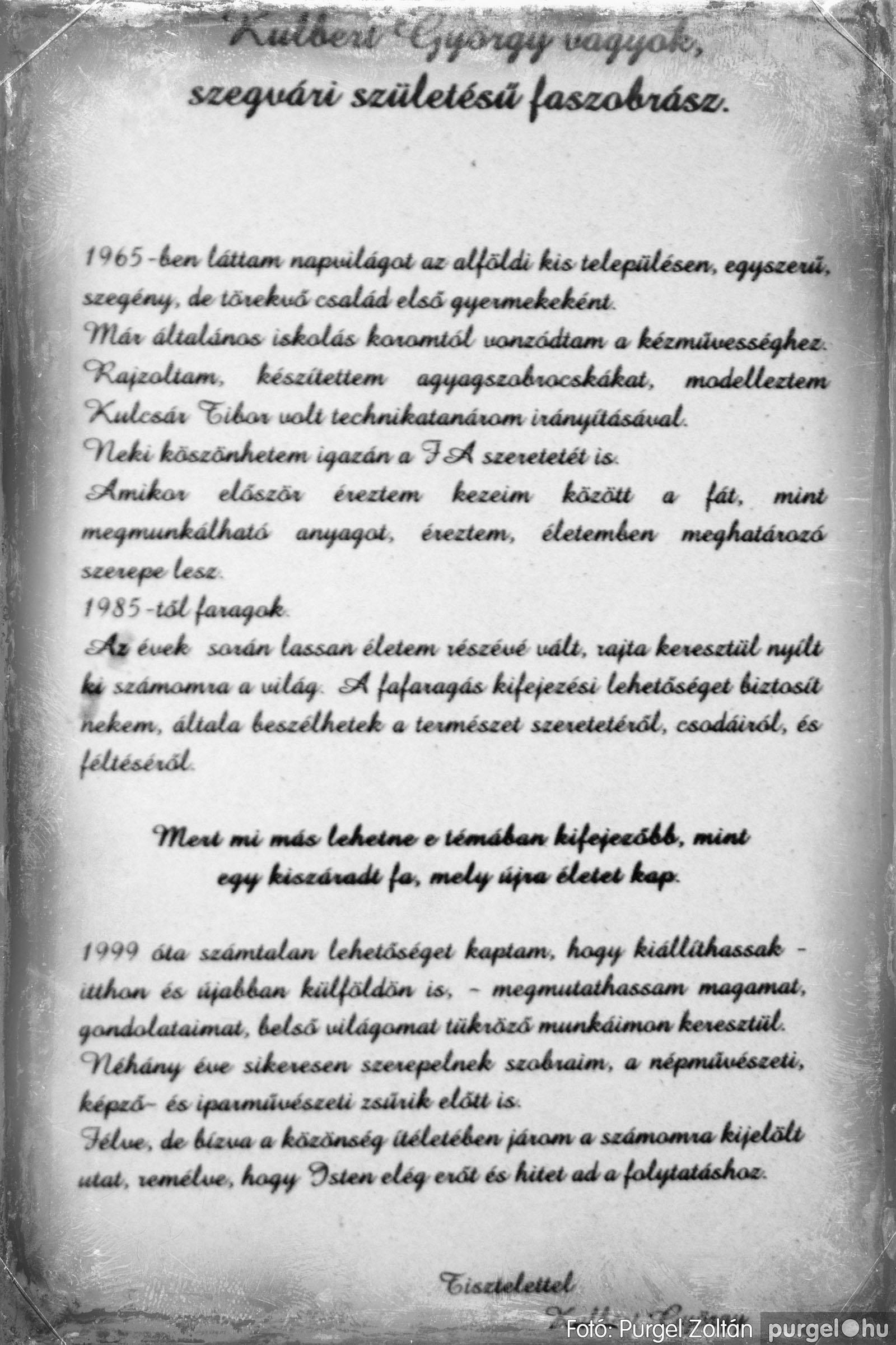 2003.10.11. 017 Kulbert György fafaragó kiállítása Makón - Fotó:PURGEL ZOLTÁN© DSC_0022q.jpg
