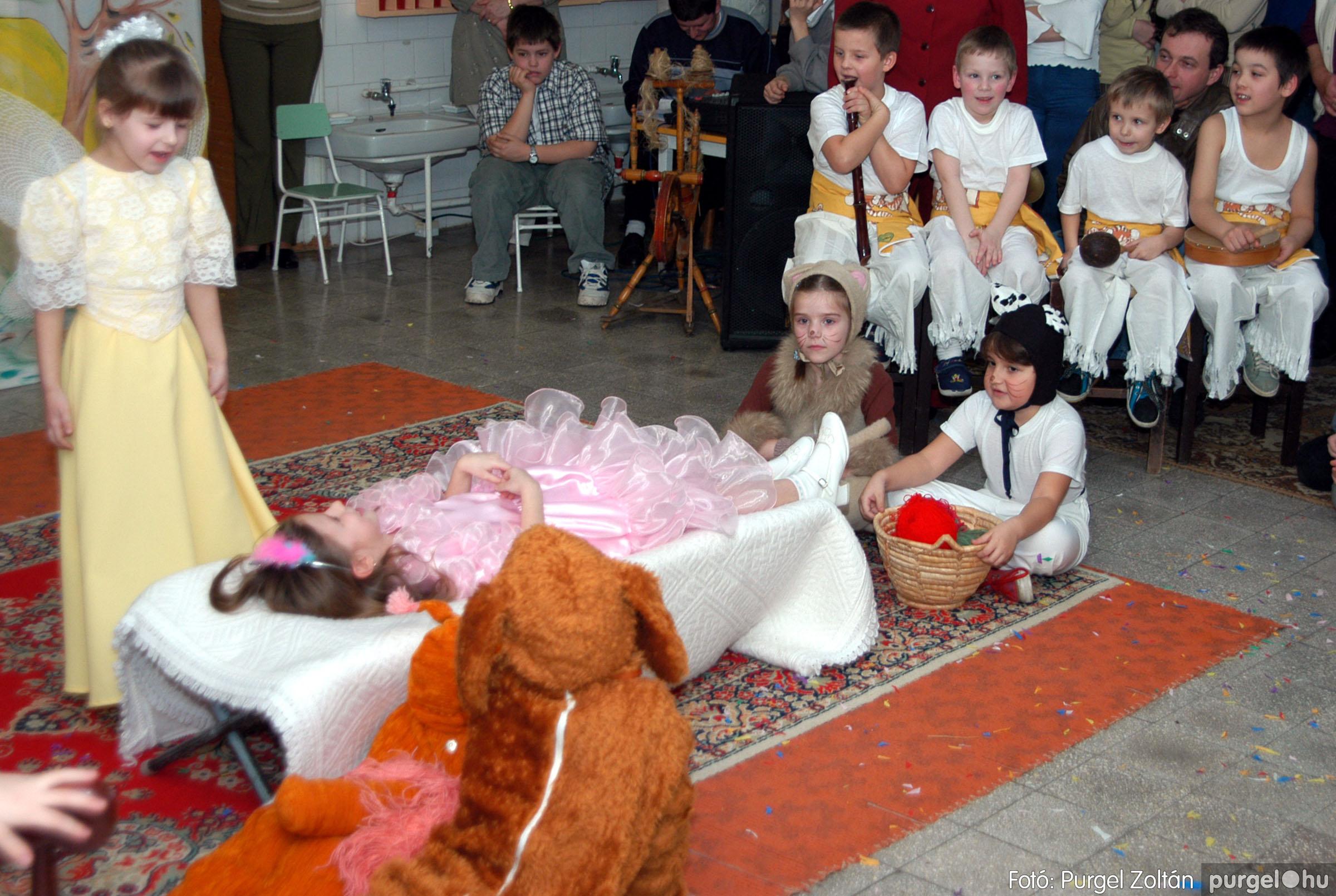 2004.02.20-21. 128 Kurca-parti Óvoda farsang 2004. - Fotó:PURGEL ZOLTÁN© ovi128.jpg