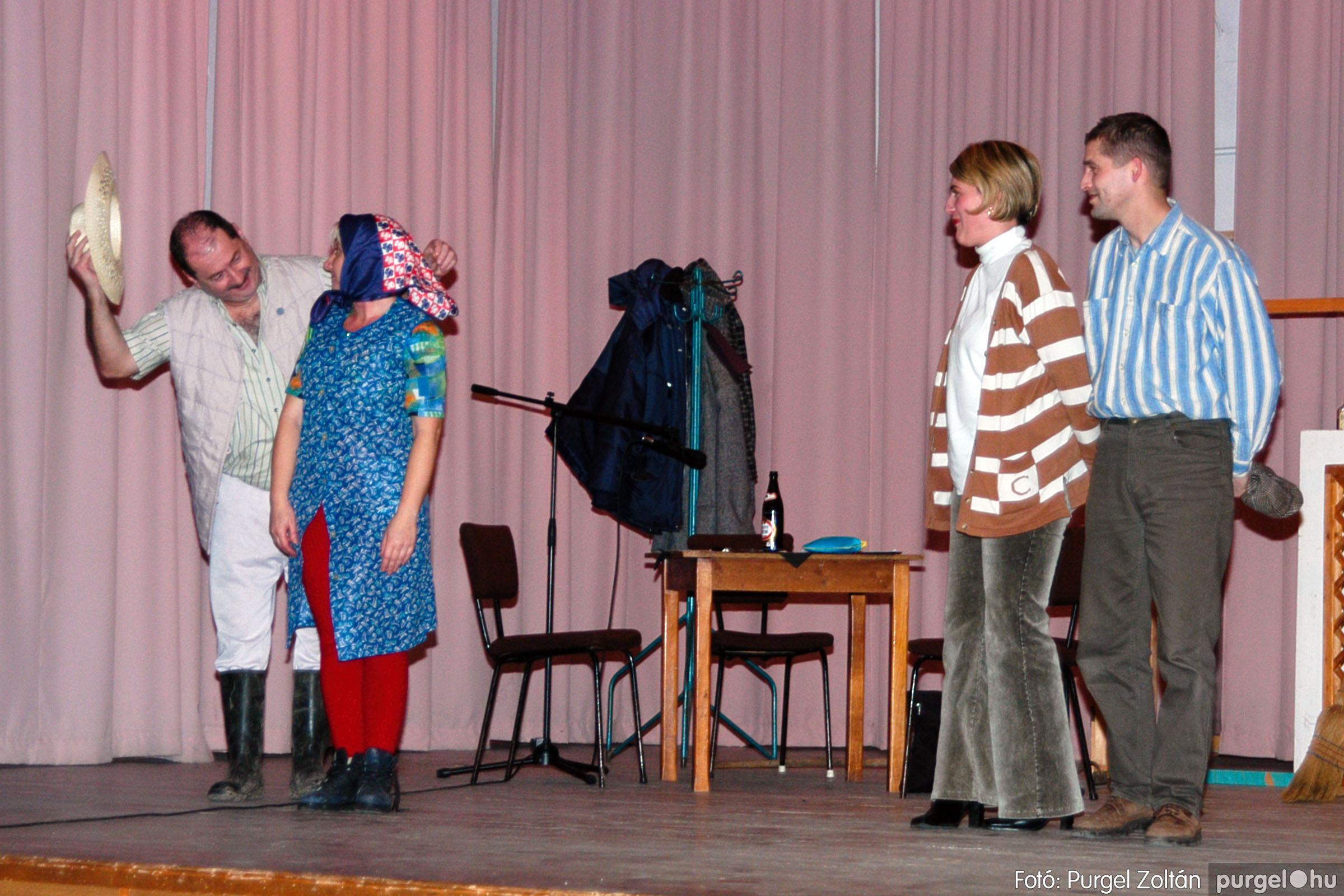 2004.01.13. 009 Szegváriak Szegvárért Közösségfejlesztők Egyesület beszámolója - Fotó:PURGEL ZOLTÁN© _0009q.jpg