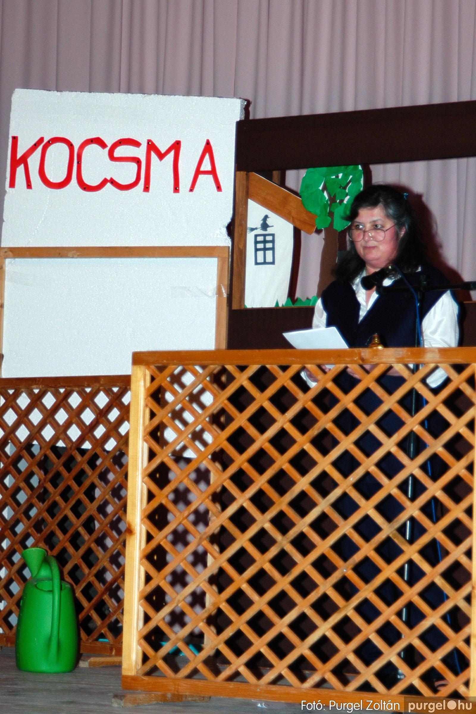 2004.01.13. 008 Szegváriak Szegvárért Közösségfejlesztők Egyesület beszámolója - Fotó:PURGEL ZOLTÁN© _0008q.jpg