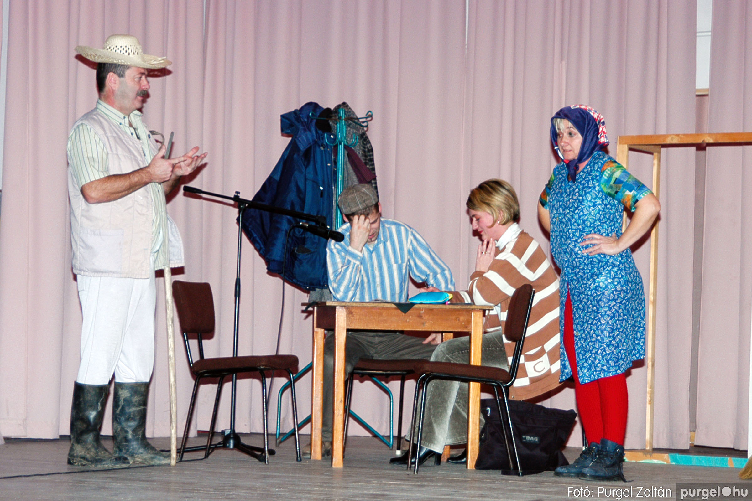 2004.01.13. 006 Szegváriak Szegvárért Közösségfejlesztők Egyesület beszámolója - Fotó:PURGEL ZOLTÁN© _0006q.jpg