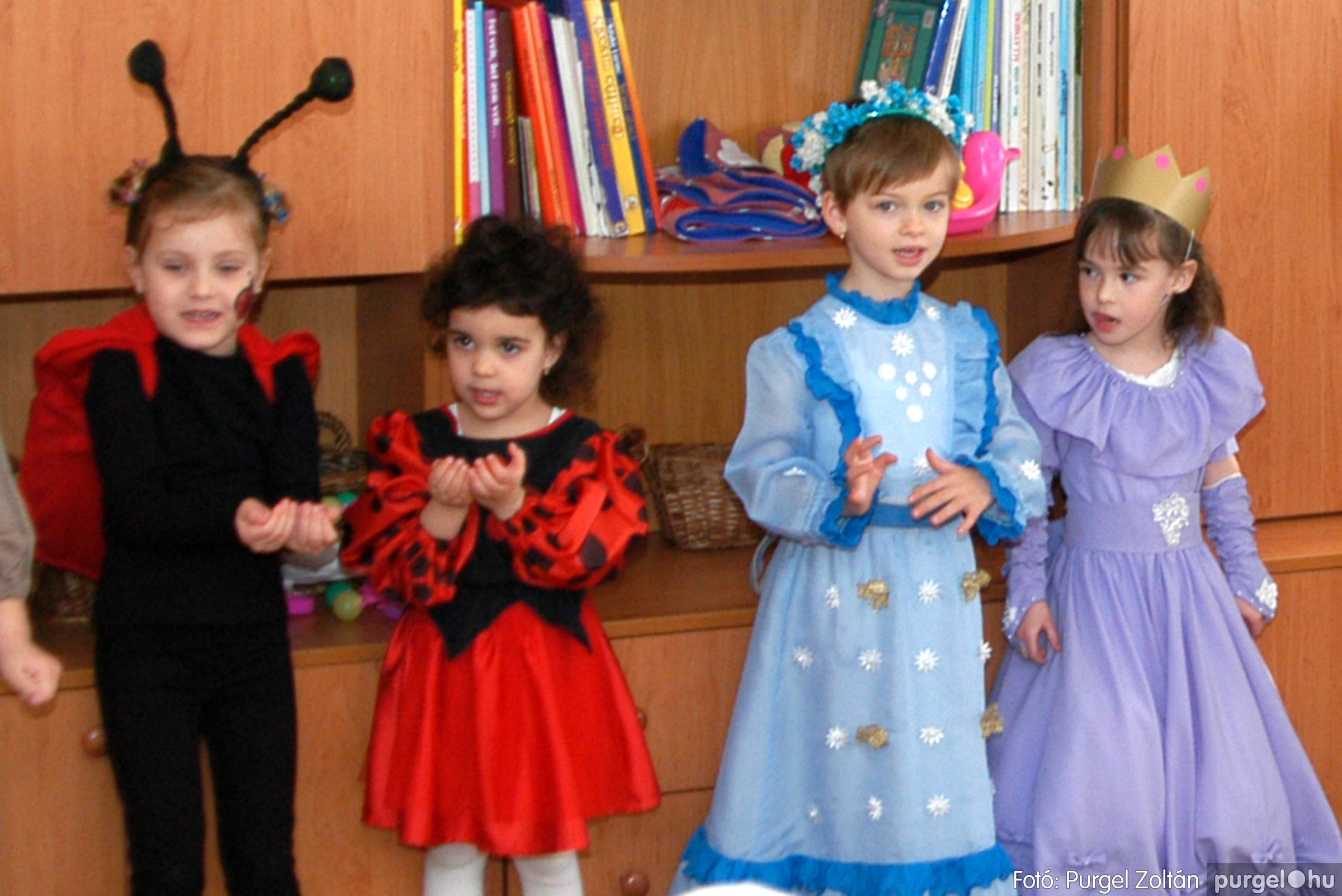2004.02.20-21. 009 Kurca-parti Óvoda farsang 2004. - Fotó:PURGEL ZOLTÁN© ovi009.jpg