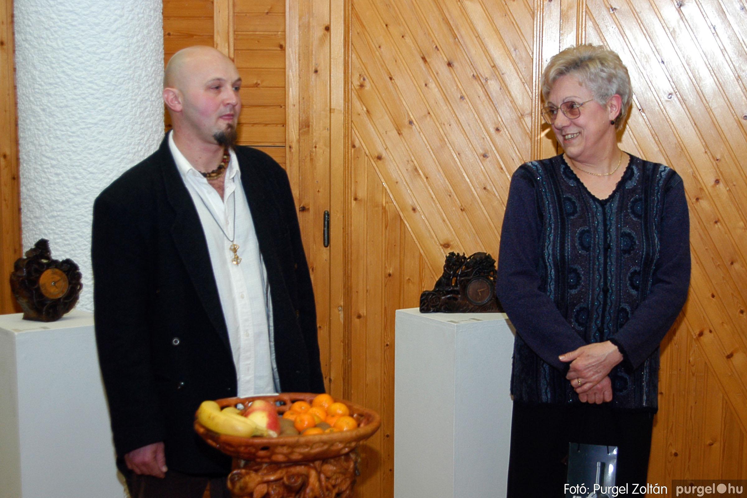 2004.02.26. 002 Kulbert György fafaragó kiállítása Hódmezővásárhelyen - Fotó:PURGEL ZOLTÁN© DSC_0002q.jpg