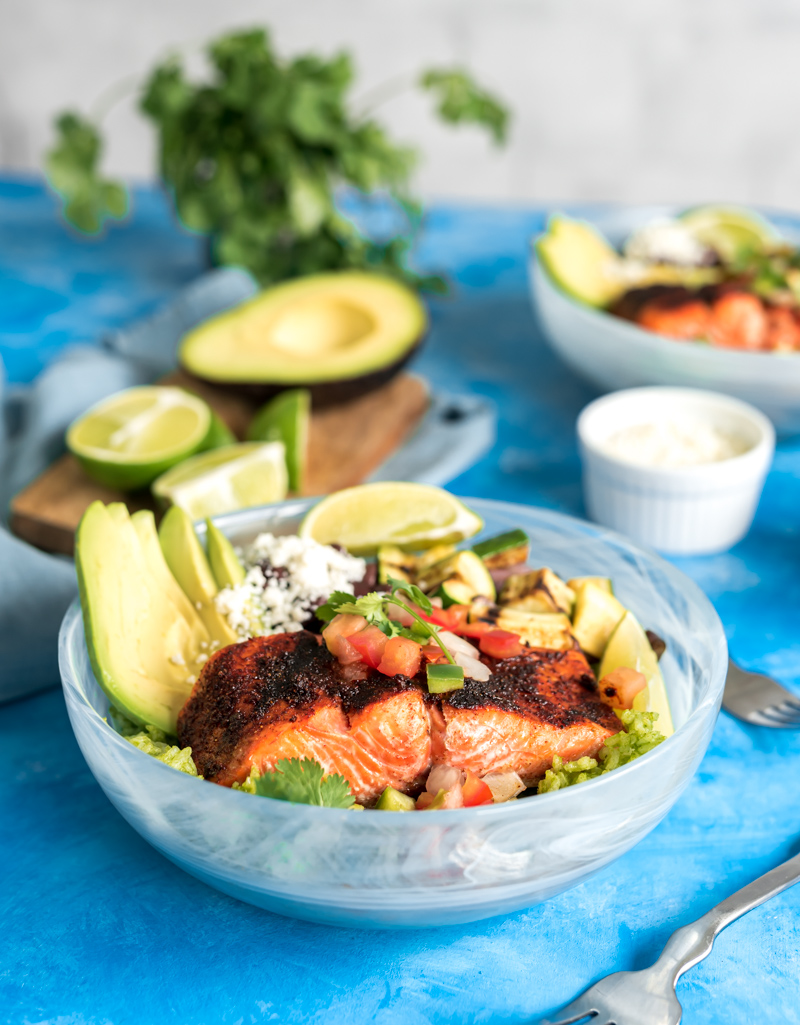Chili Lime Grilled Sockeye Salmon Rice Bowls www.pineappleandcoconut.com #pwssalmon