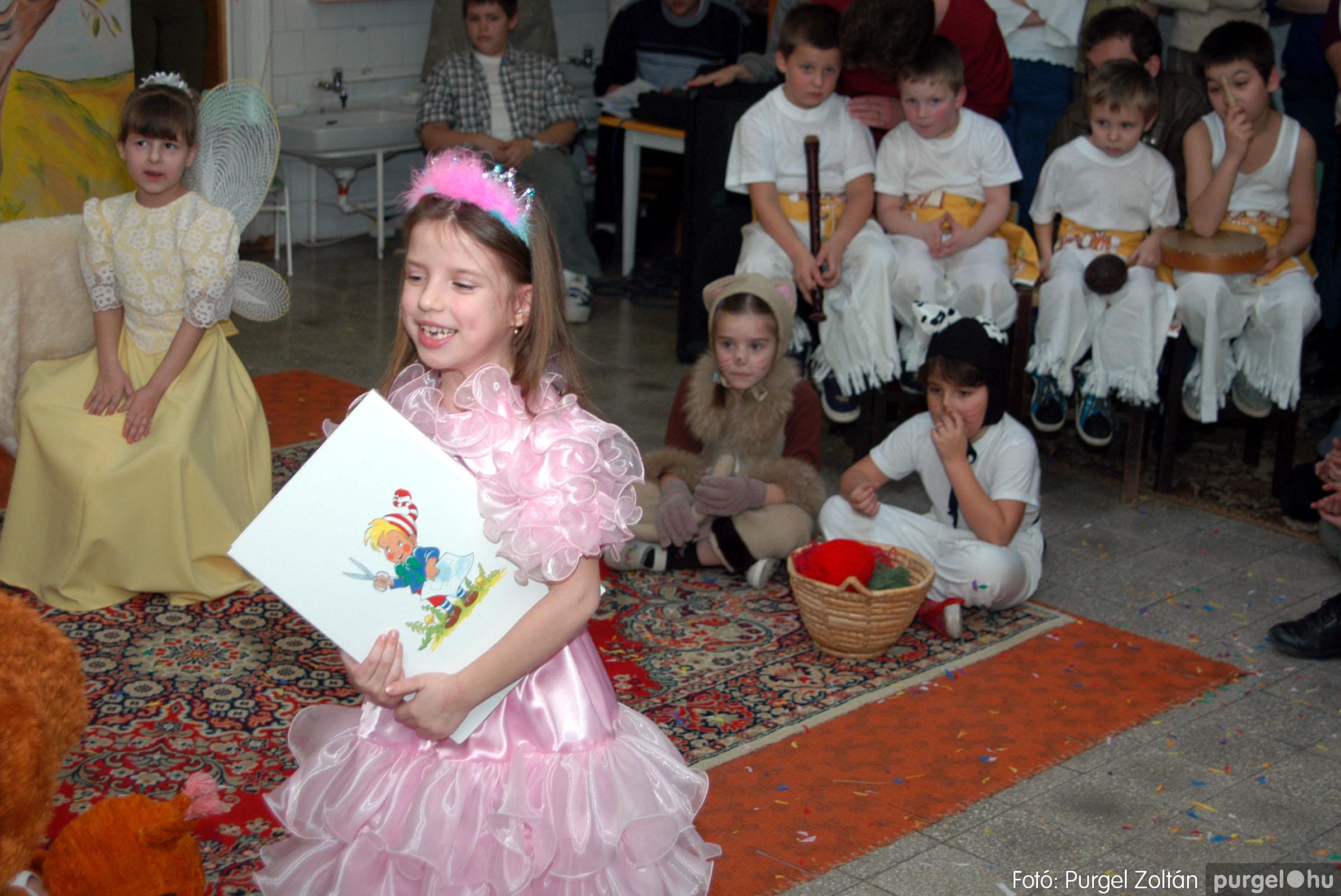 2004.02.20-21. 124 Kurca-parti Óvoda farsang 2004. - Fotó:PURGEL ZOLTÁN© ovi124.jpg