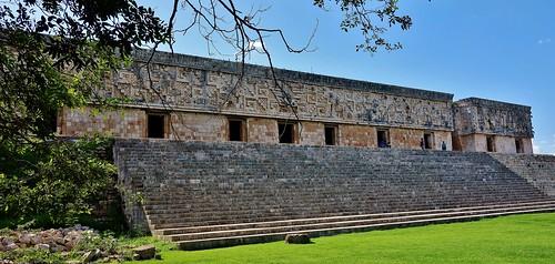 MEXIKO,Yucatán , Uxmal, Der Gouverneurspalast mit tollem Steinrelief, 19149/11808
