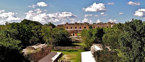 MEXIKO,Yucatán , Uxmal, Vom Ballspielplatz zum Nonnenviertel,  19151/11810