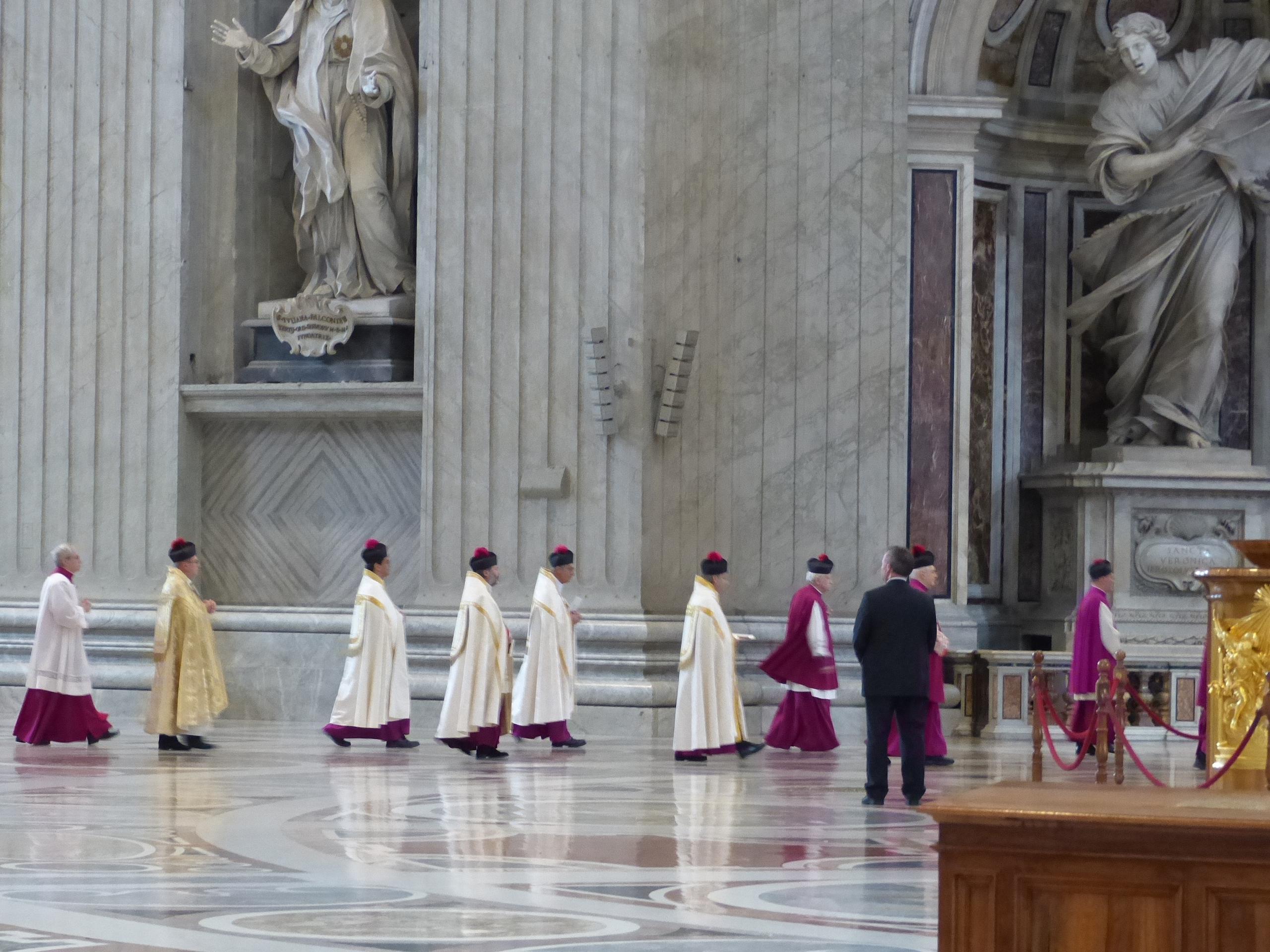 la messe va commencer
