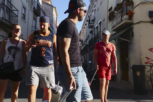 Lost tourists #lisbon #portugal #street #fujixe3 #t3mujinpack
