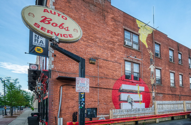 Bob's Auto & Mural Painting Service