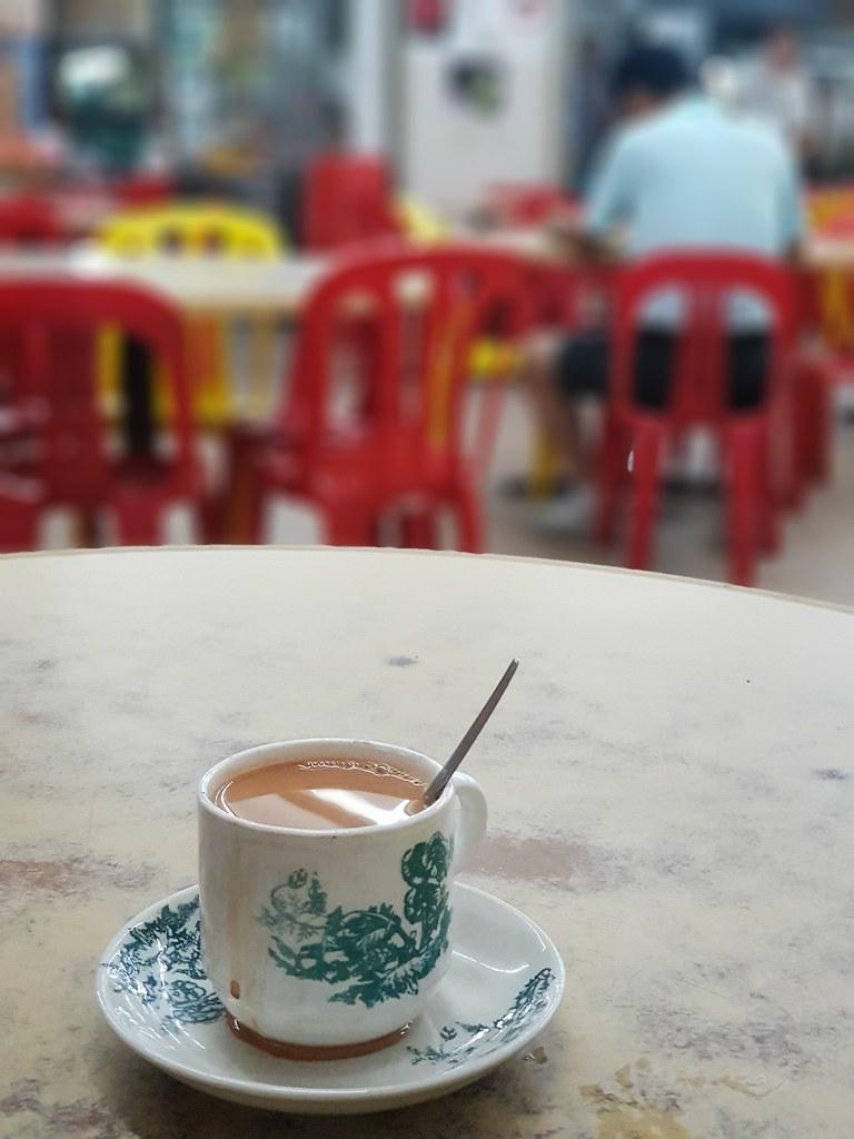 紫菜鱼滑河粉 Seaweed fish paste Hor Fun rm$6.50 & 奶茶 TehC rm$2 @ Restoran TropiKiRi in PJ Taman Bukit Mayang Emas