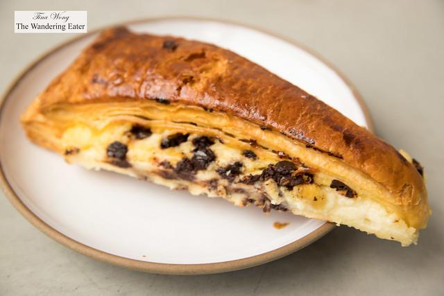 Plié au chocolat (chocolate and custard pastry)