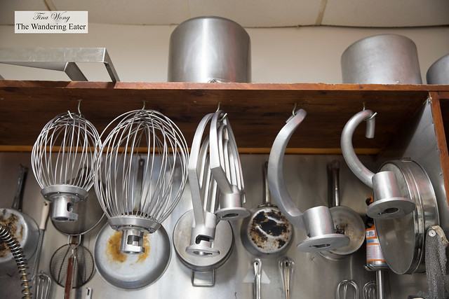 Large mixer attachments and pans
