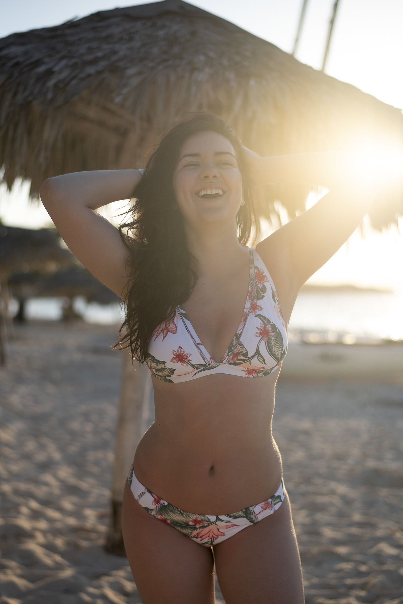 marie-chloe falardeau bikini village cuba palmier coucher de soleil