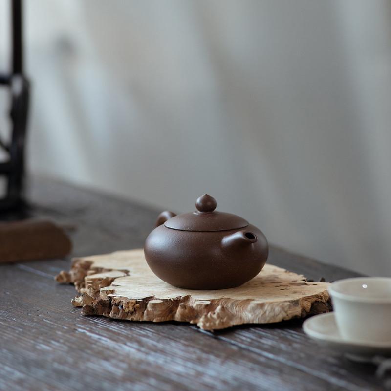 """Yixing """"Bian Zhu"""" Teapot  Capacity around 100CC Made from """" Zi Ni"""" Mud"""