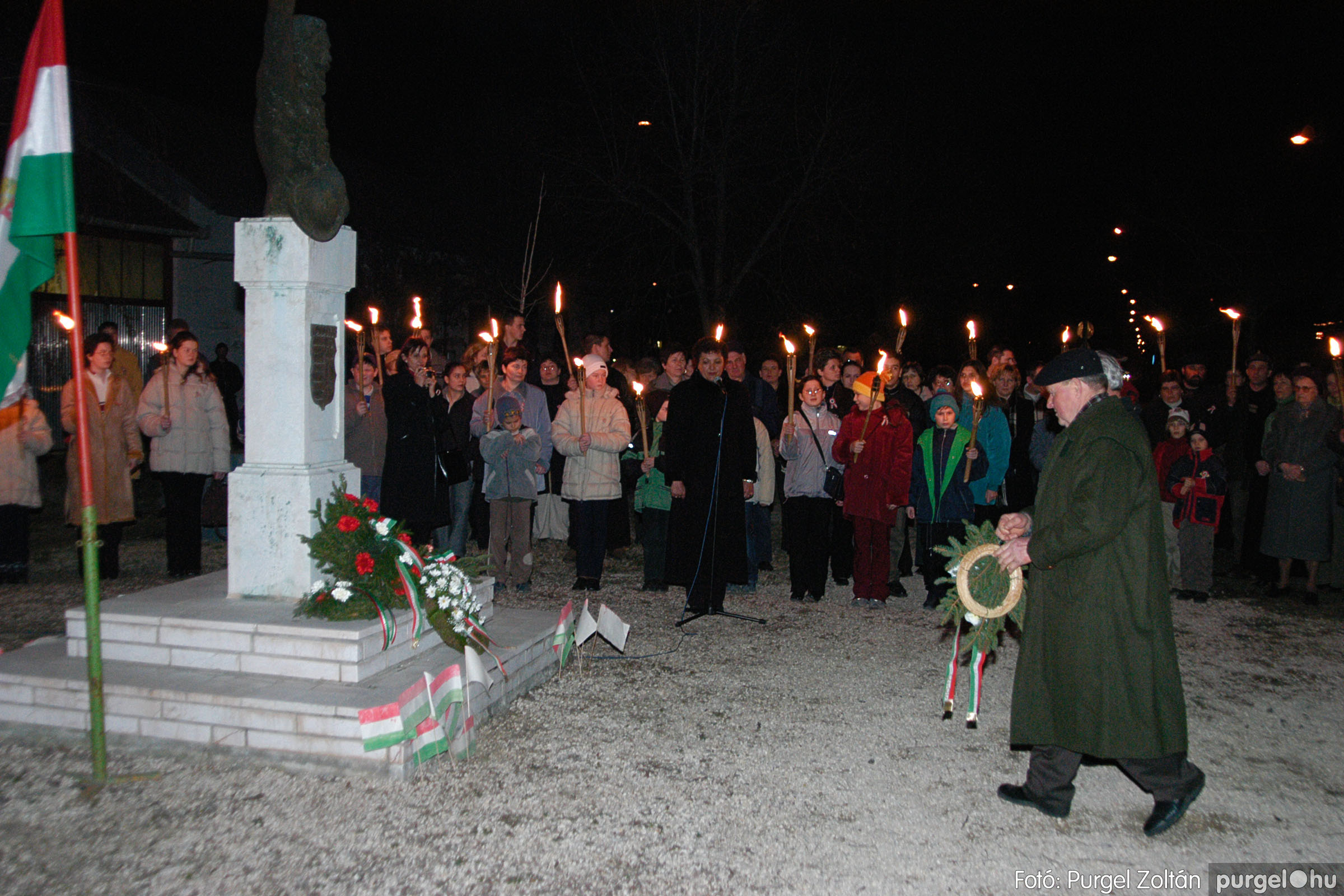 2004.03.14. 034 Március 15-i ünnepség Fotó:PURGEL ZOLTÁN© DSC_0043q.jpg