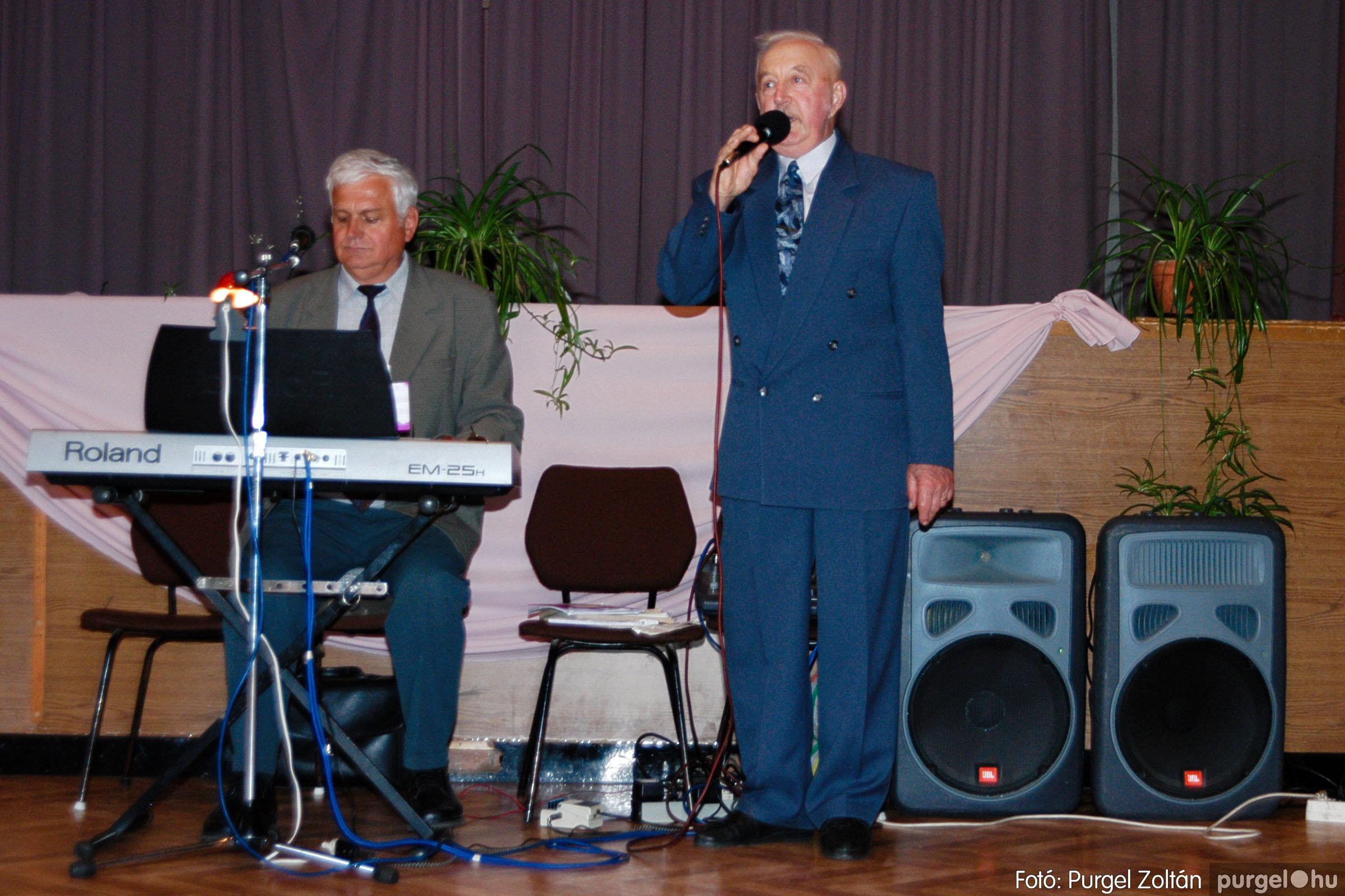 2004.05.04. 037 Szép Öregkor Nyugdíjas Klub találkozó - Fotó:PURGEL ZOLTÁN© DSC_0049q.jpg