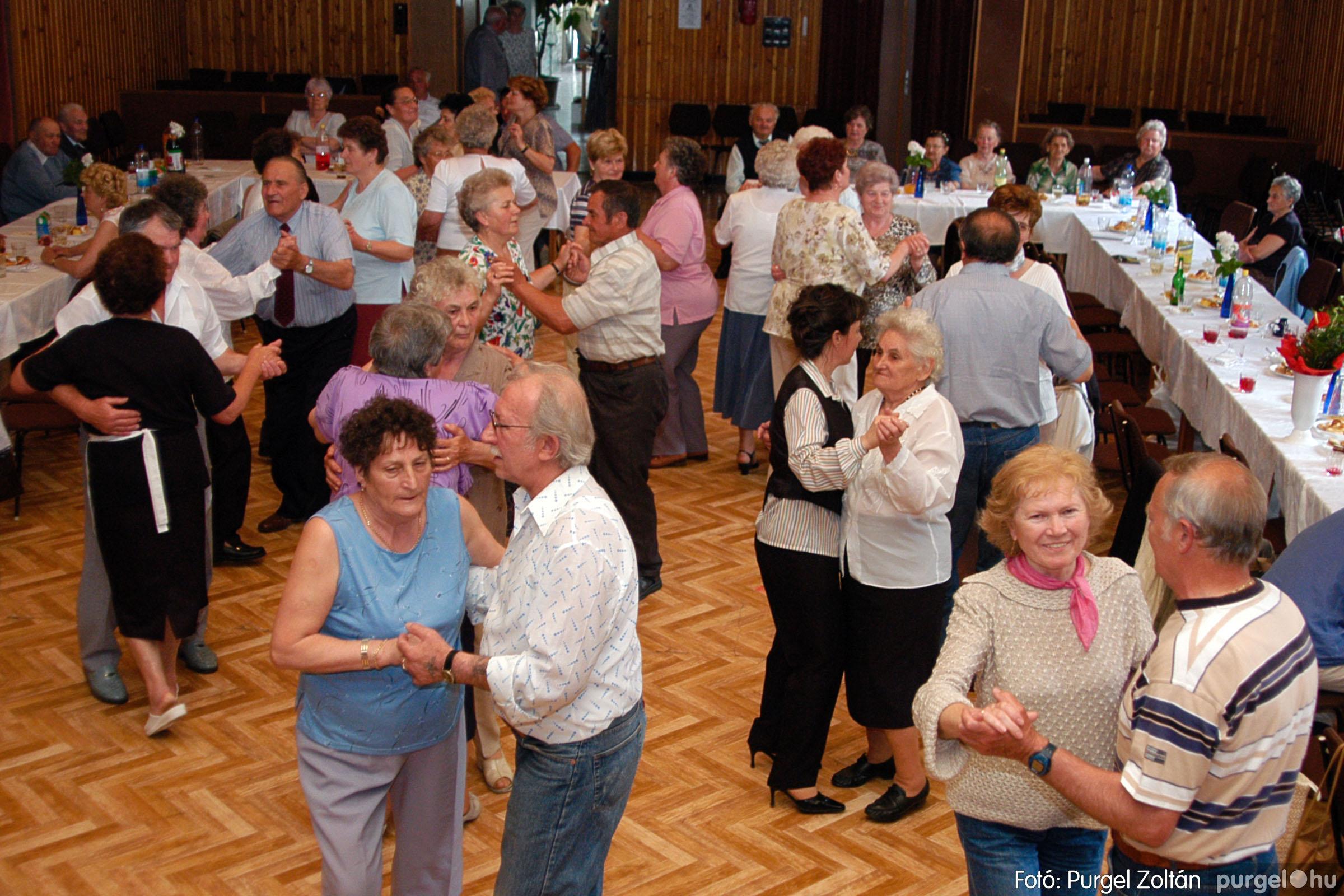 2004.05.04. 070 Szép Öregkor Nyugdíjas Klub találkozó - Fotó:PURGEL ZOLTÁN© DSC_0092q.jpg