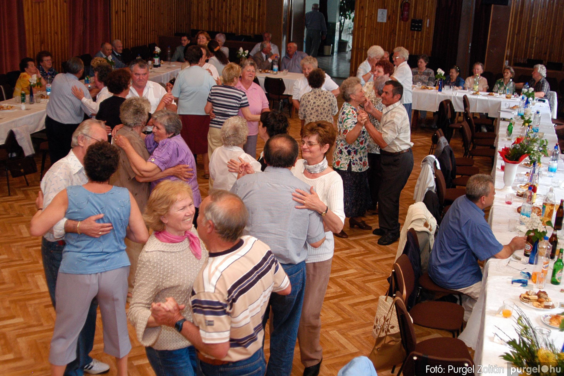 2004.05.04. 069 Szép Öregkor Nyugdíjas Klub találkozó - Fotó:PURGEL ZOLTÁN© DSC_0091q.jpg