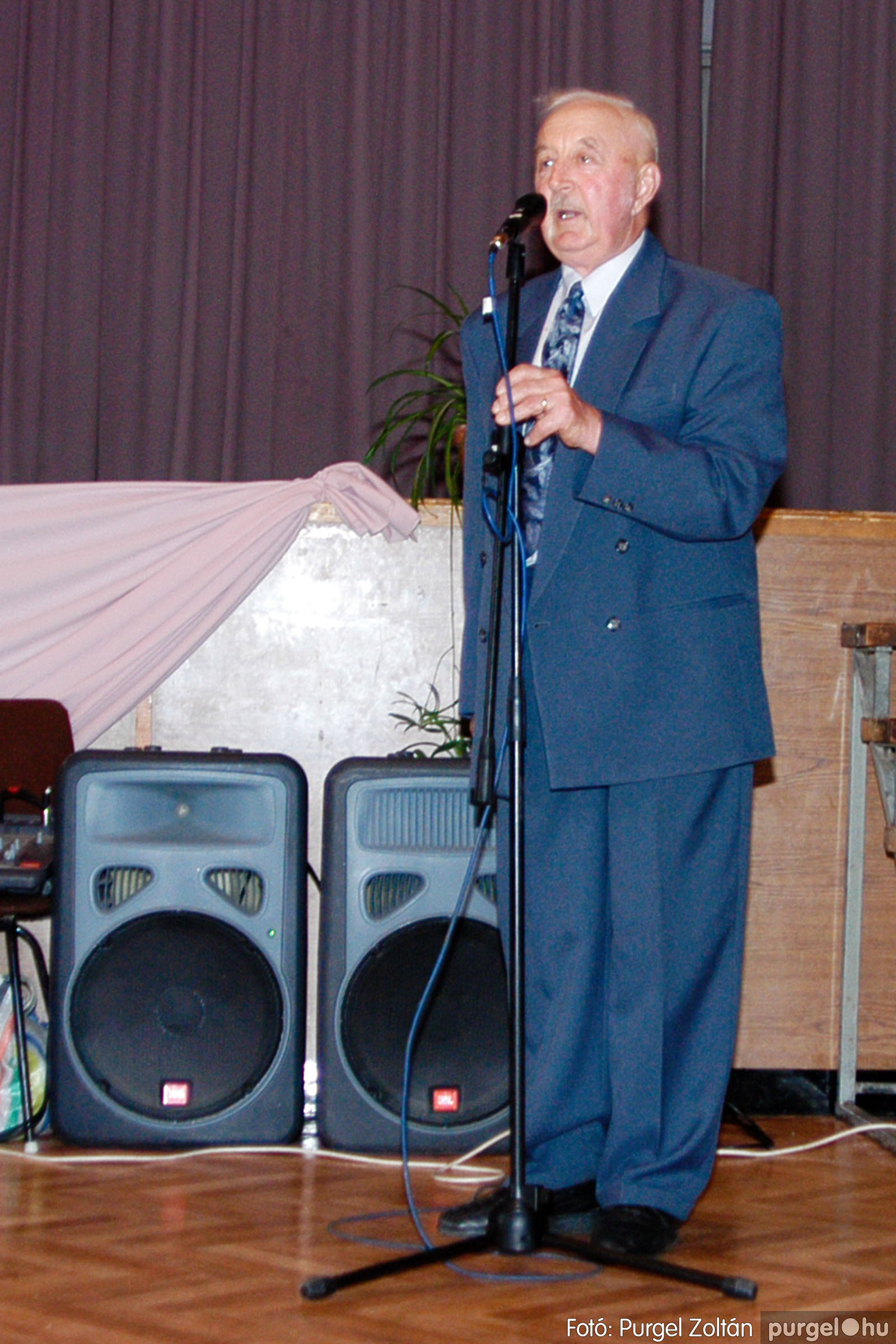 2004.05.04. 061 Szép Öregkor Nyugdíjas Klub találkozó - Fotó:PURGEL ZOLTÁN© DSC_0077q.jpg