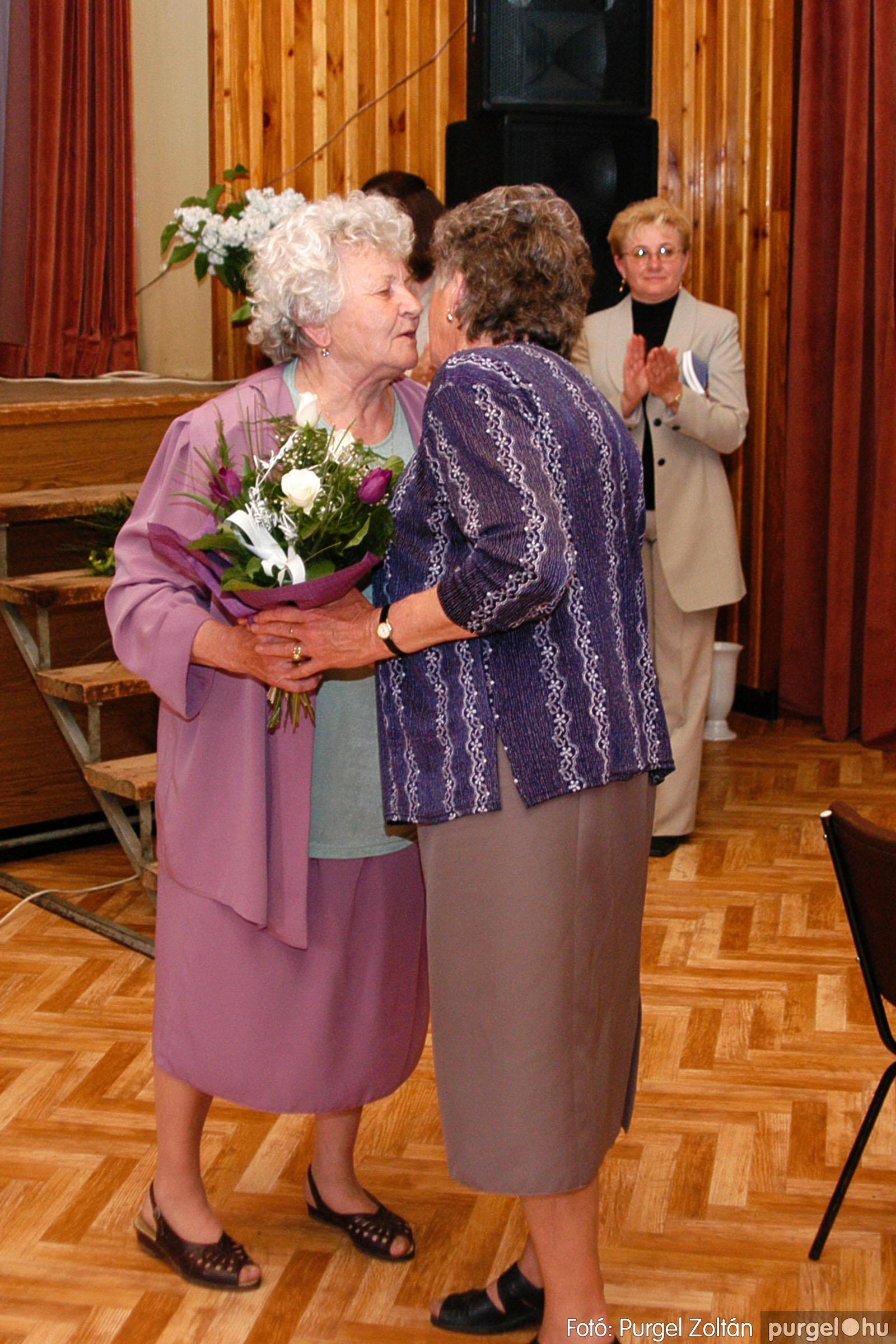 2004.05.04. 049 Szép Öregkor Nyugdíjas Klub találkozó - Fotó:PURGEL ZOLTÁN© DSC_0062q.jpg