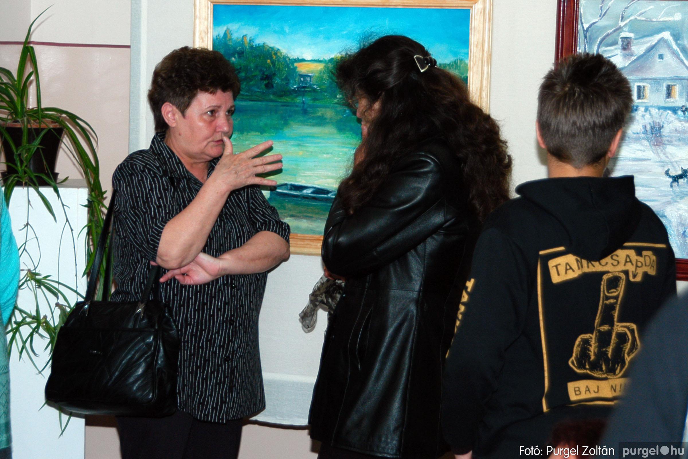 2004.05.08. 010 Gasztány Ludmilla Álmokkal átszőtt valóság című kiállítás - Fotó:PURGEL ZOLTÁN© DSC_0011q.jpg